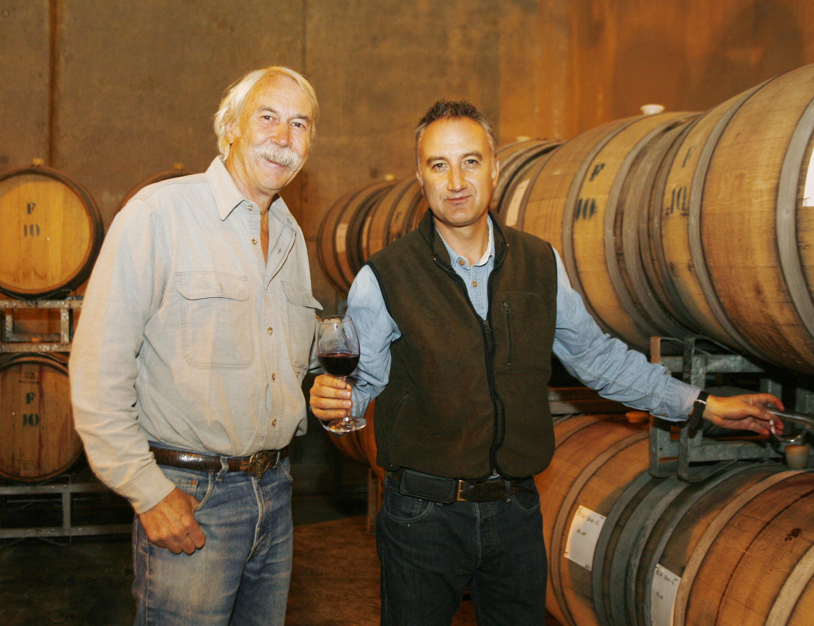 image of winemaster Randy Ullom and Winemaker Andrés Sánchez